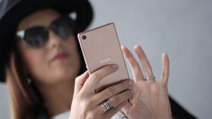 Какой смартфон выбрать для девушки?