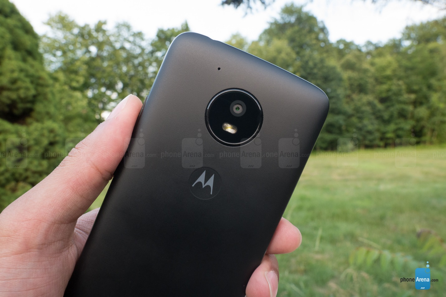 https://i-cdn.phonearena.com/images/reviews/207499-image/Motorola-Moto-E4-Review-004.jpg
