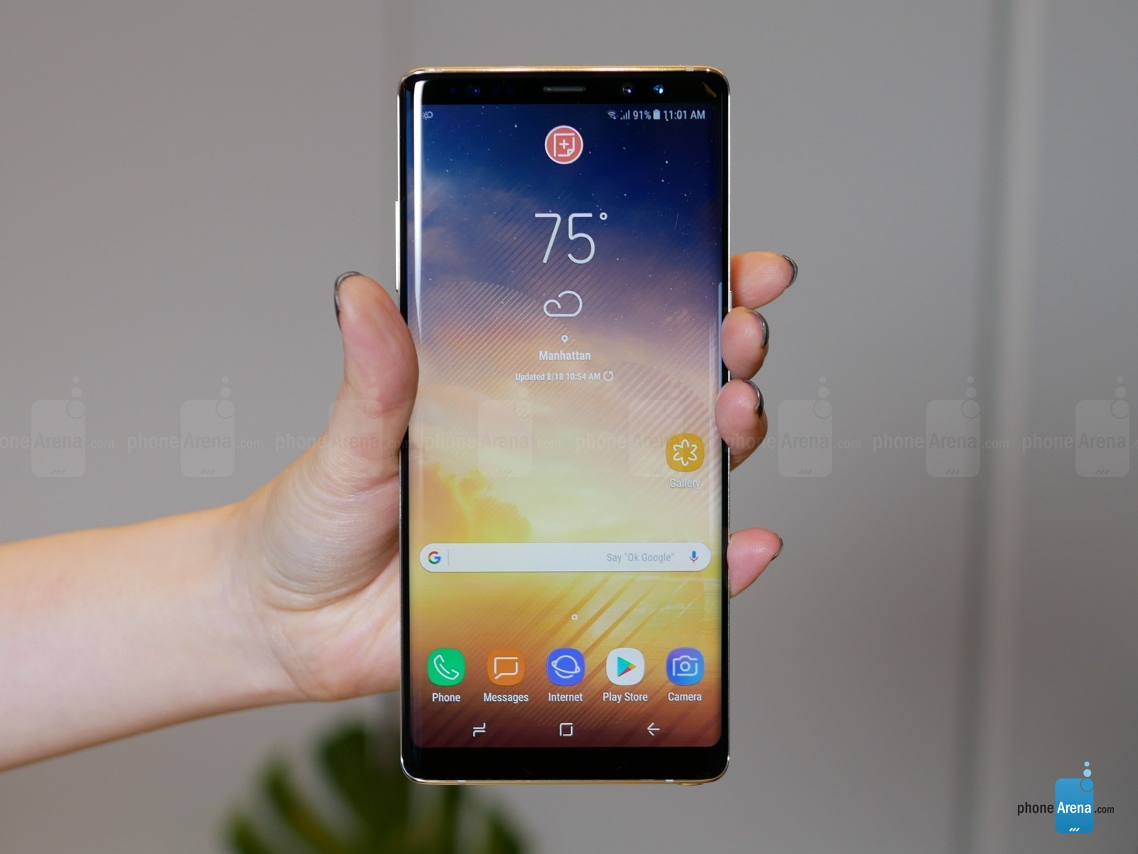 https://i-cdn.phonearena.com/images/articles/298393-image/Galaxy-Note-8-hands-on-specs-price-release-04.jpg