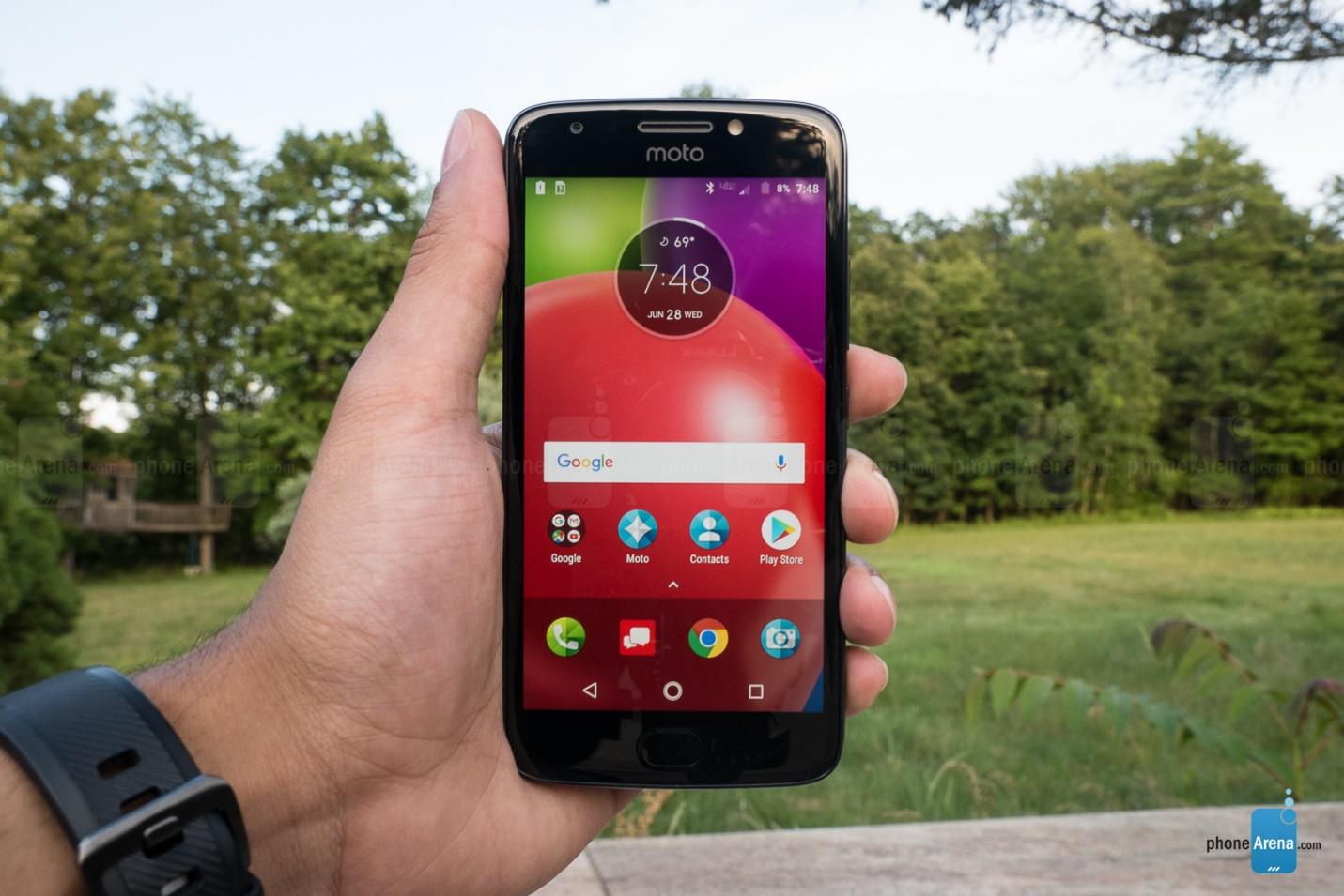 https://i-cdn.phonearena.com/images/reviews/207543-image/Motorola-Moto-E4-Review-017-end.jpg