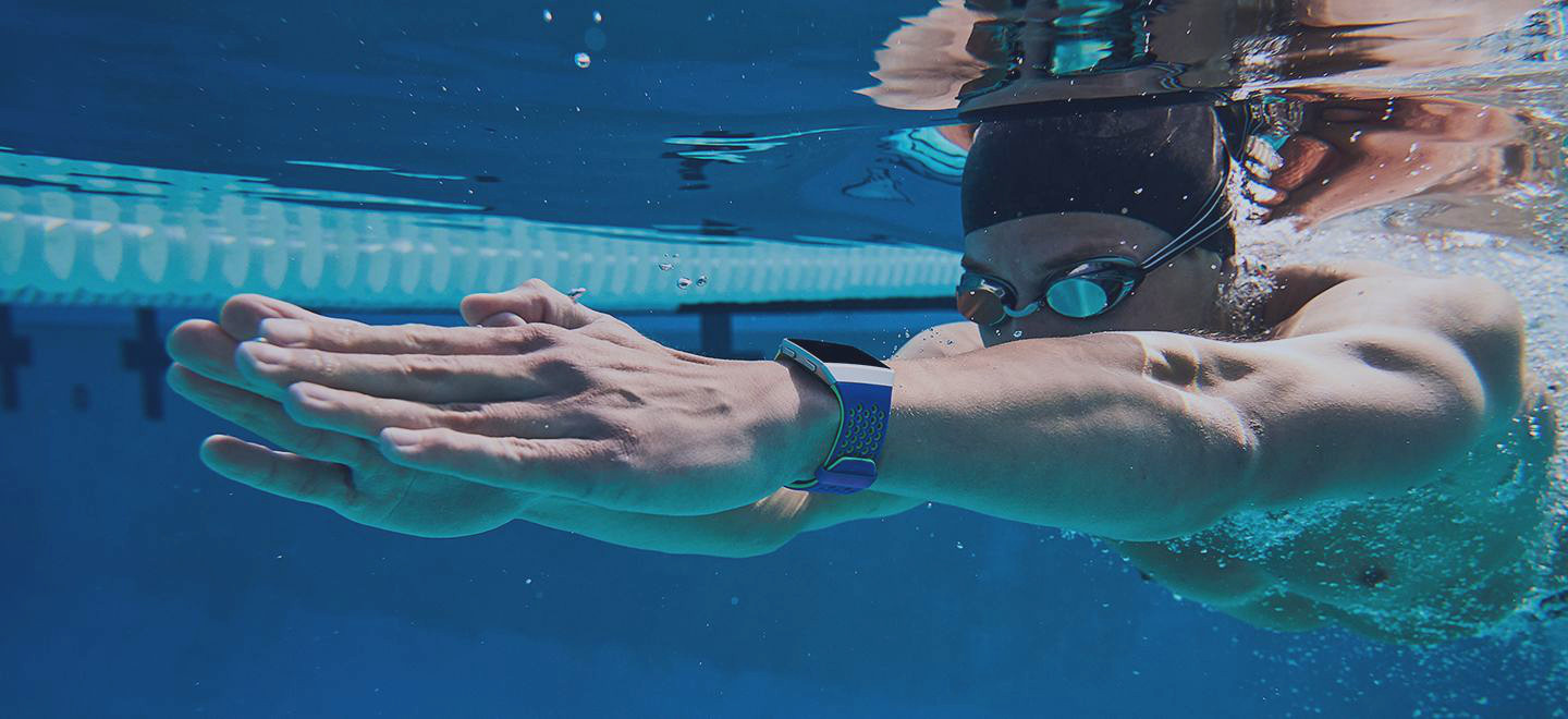 C:UsersAlexeyPicturesWater-proof-even-for-swimmers-GPS.jpg