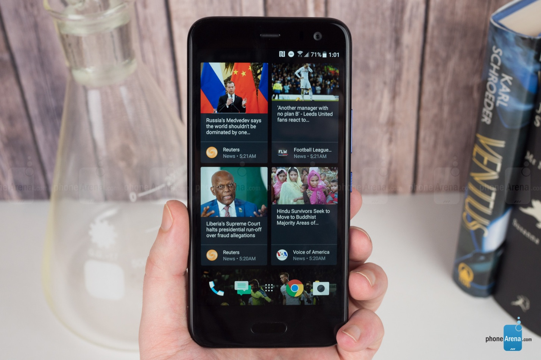 https://i-cdn.phonearena.com/images/reviews/212082-image/HTC-U11-Life-Review-016-UI.jpg