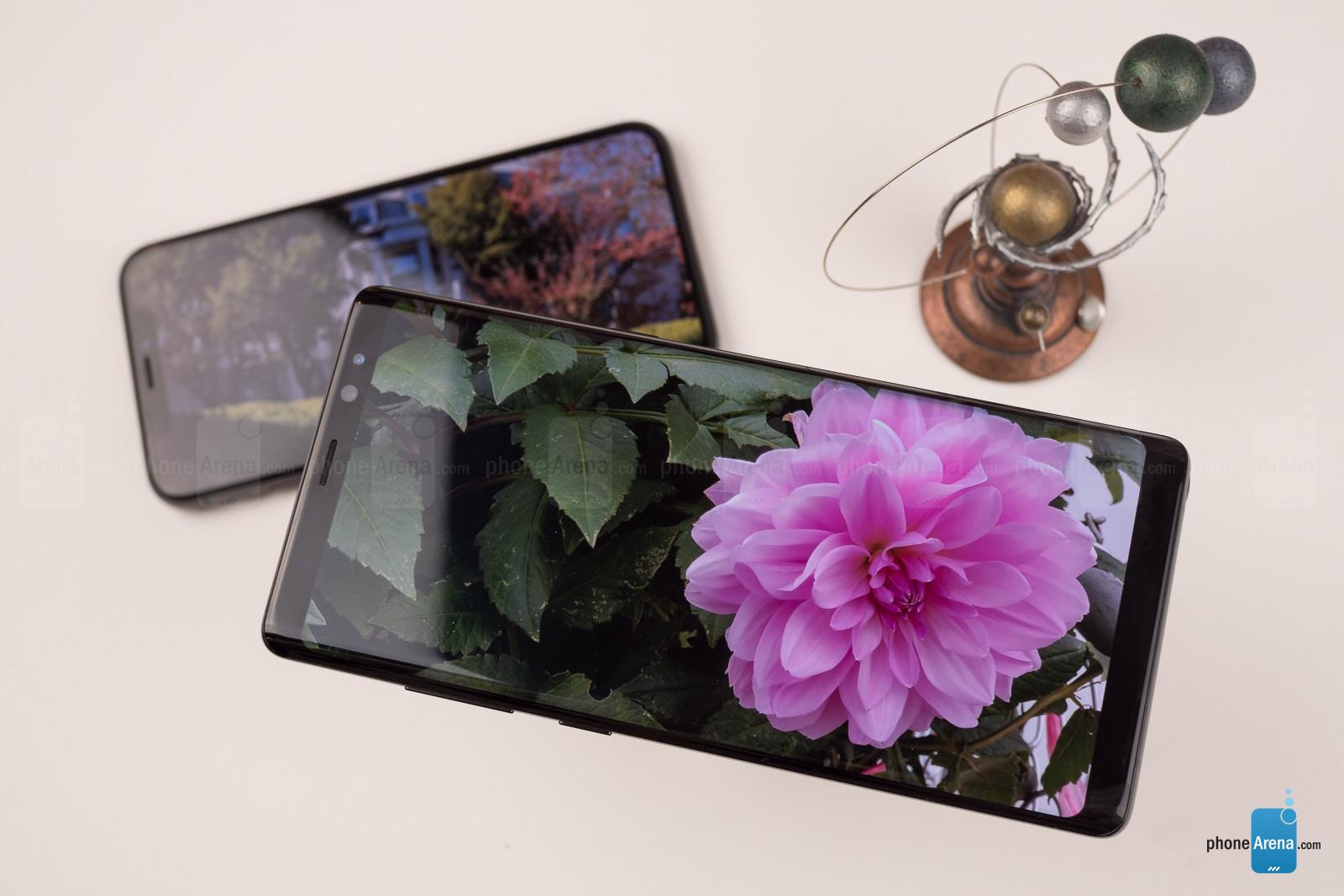 https://i-cdn.phonearena.com/images/reviews/212423-image/Apple-iPhone-X-vs-Samsung-Galaxy-Note-8-014.jpg