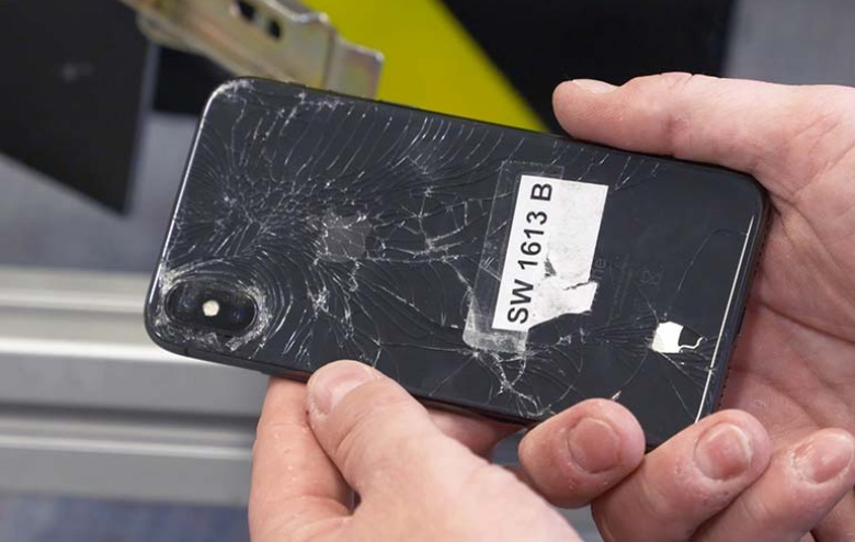 http://pocketnow.com/wp-content/uploads/2017/12/iPhone-X-damage.jpg