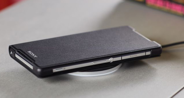 http://xperia-droid.ru/wp-content/uploads/2014/05/Sony-Wireless-Charging-Cover-WCR12-Plate-WCH10-for-Xperia-Z2.jpg