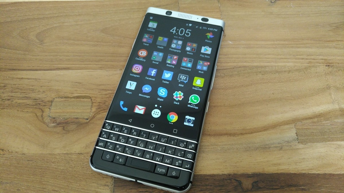 https://crackberry.com/sites/crackberry.com/files/styles/larger/public/article_images/2017/05/blackberry-keyone-front.jpg?itok=o5bCCnf4