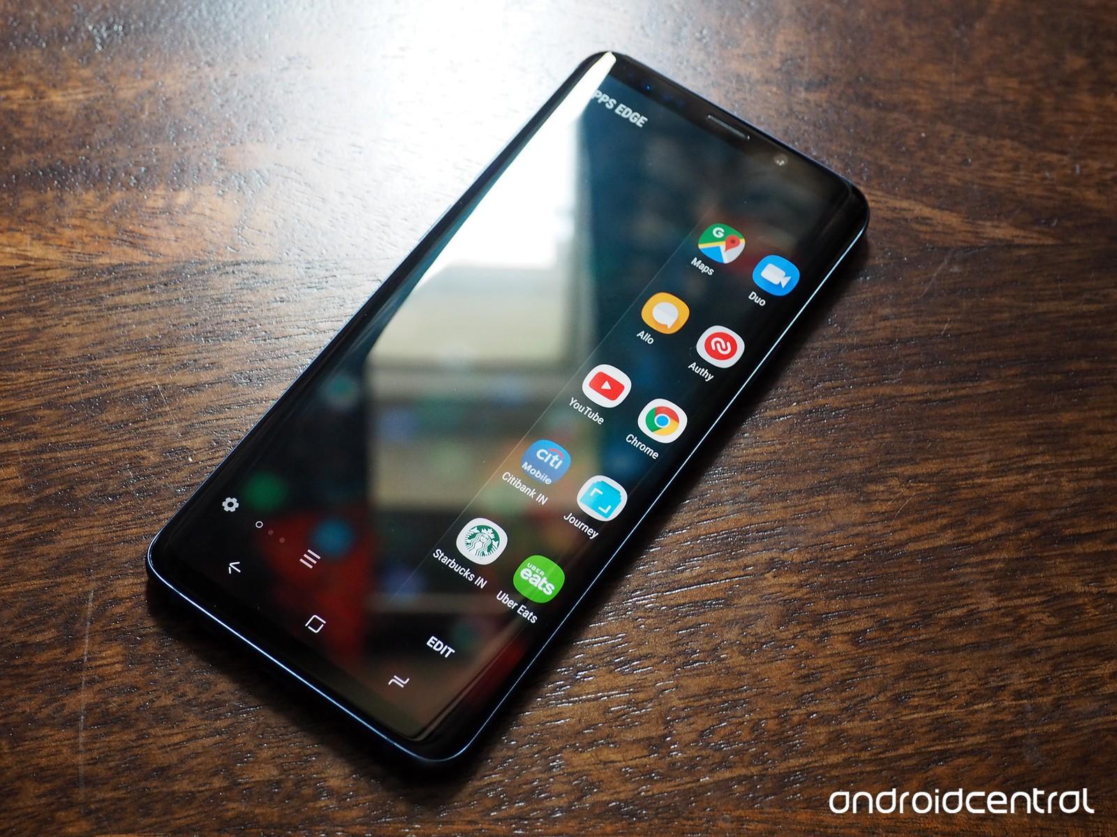 Samsung Galaxy S9+ edge screen