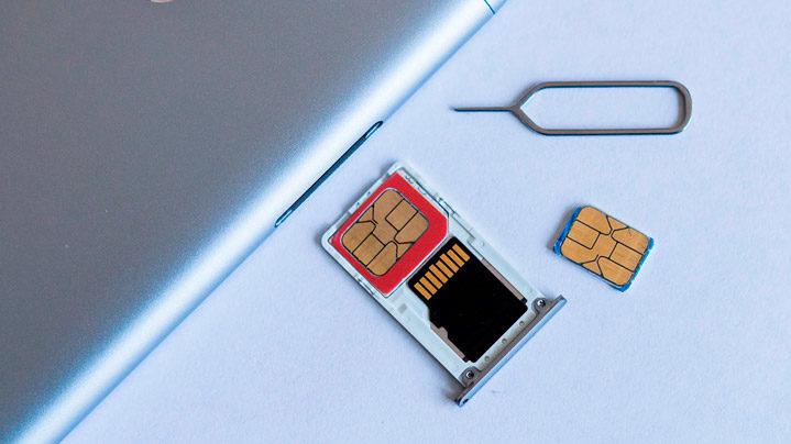 Смартфоны с двумя сим картами и слотом под карту памяти