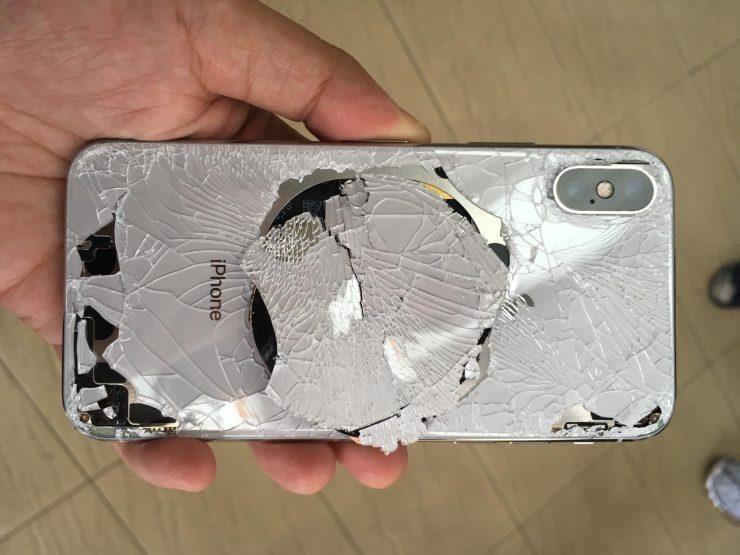 Картинки по запросу телефон разбитая задняя панель