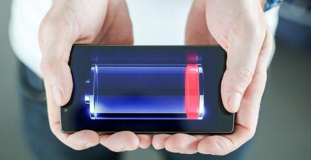 Картинки по запросу смартфон зарядка ночью