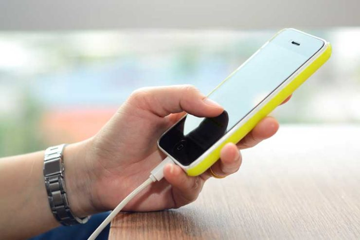 Cell Phone Charging Danger Warning Email - Hoax-Slayer