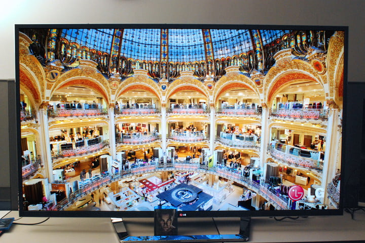 LG 4K TV review front screen mall LG 84LM9600