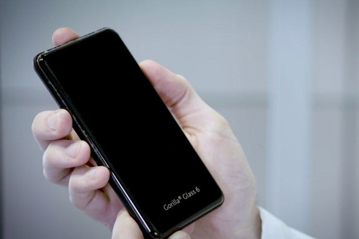 Corning's Gorilla Glass 6 Lets Your iPhone Take a Beating - Industry Tap
