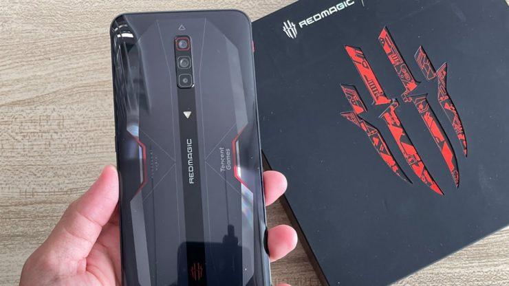 6,67 дюйма, 12/512 ГБ, 4100 мА•ч, 55 Вт и 64 Мп. Смартфон