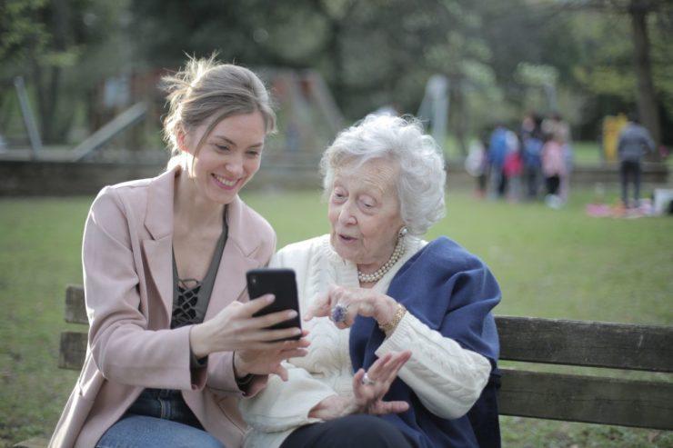 15 полезных приложений для пожилых