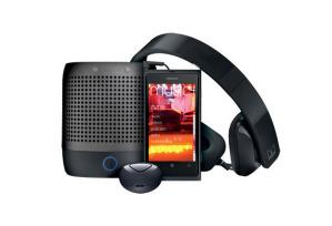 Набор Nokia Lumia 800 Entertainment Bundle