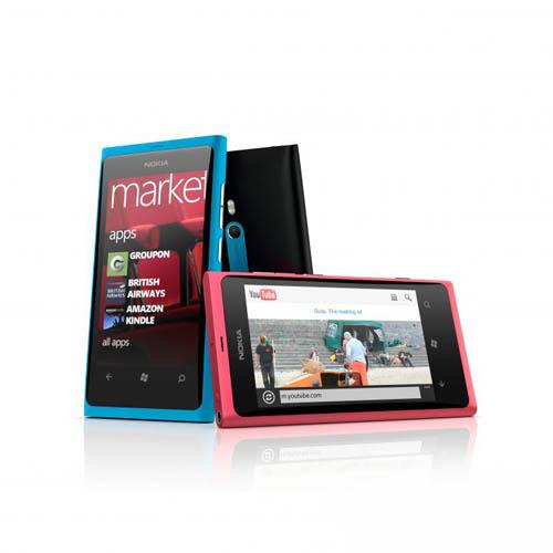 Смартфоны Nokia Lumia 710 и Nokia Lumia 800