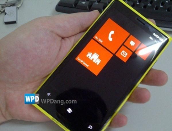 Фото Nokia Lumia с ОС WP 8