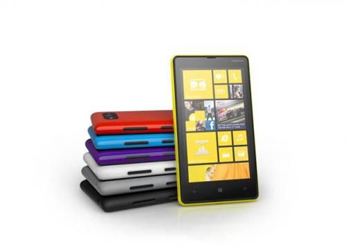 Старт продаж смартфонов Nokia Lumia 920 и Lumia 820 в России