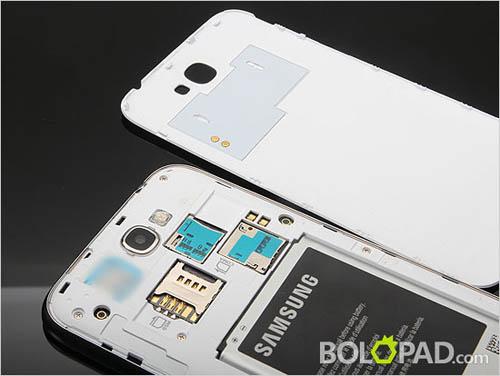 Разобранный смартфон Samsung Galaxy Note 2