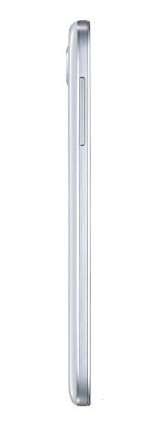 Samsung Galaxy S4: другой боковой торец