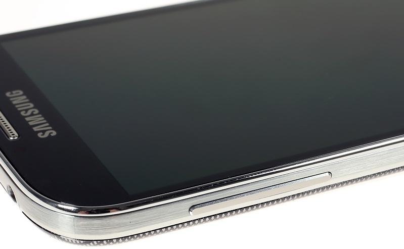 Клавиша управления громкость звука на Samsung Galaxy S4