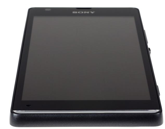 Нижний торец Sony Xperia SP