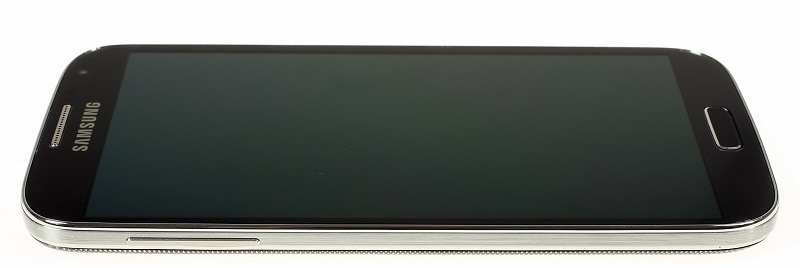 Samsung Galaxy S4: вид сбоку