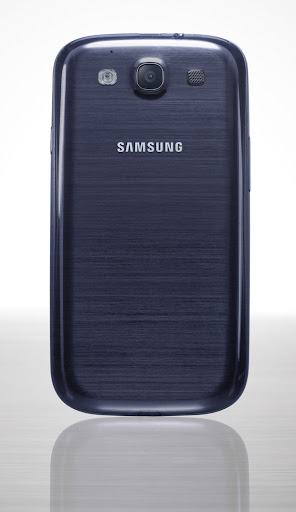 Смартфон Samsung Galaxy S III: тыльная сторона