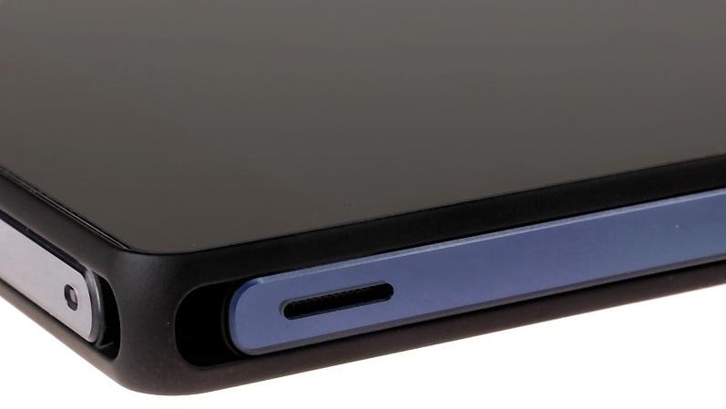 Sony Xperia Z: динамик на правом торце