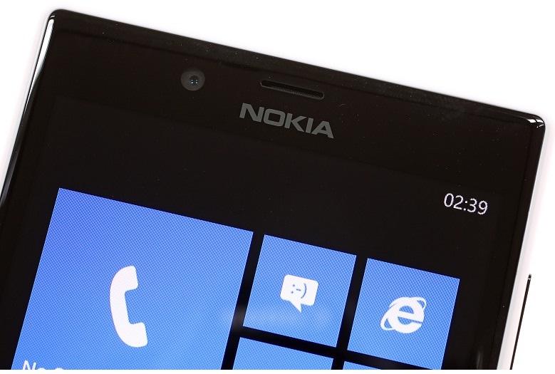 Верхняя часть Nokia Lumia 720